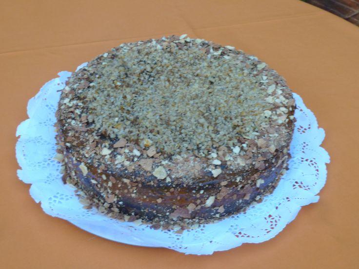 Torta de ciruelas rellena con guinda acida!