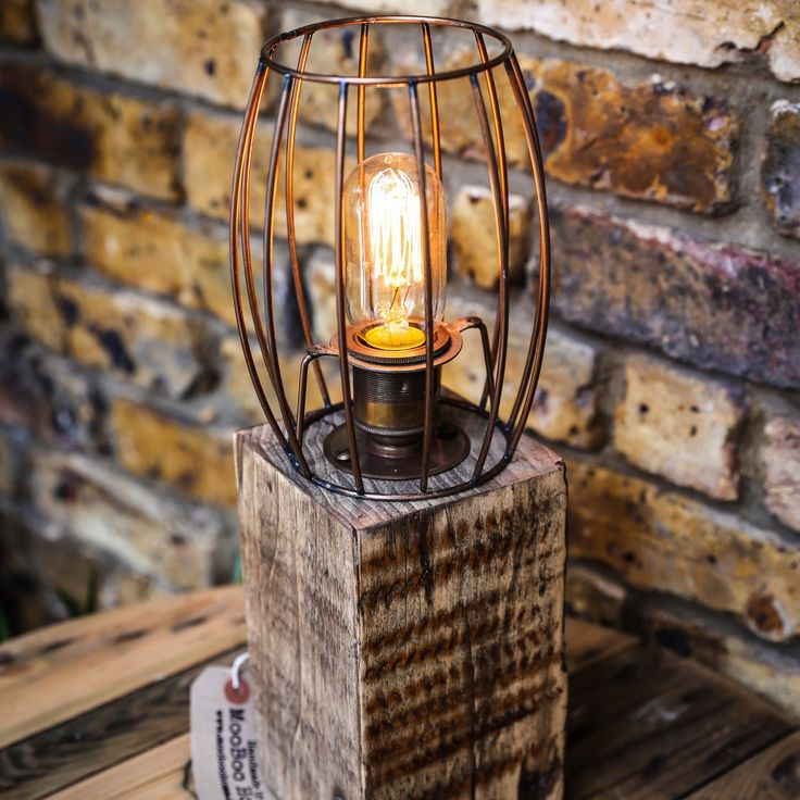 This one is just lovely, I love the way the chunky base fuses with he copper cage 😍