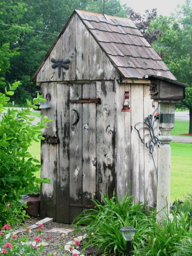 Cute Shed or could be a chcken coop