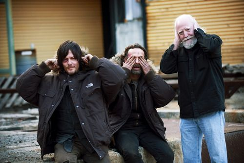Norman Reedus, Andrew Lincoln, & Scott Wilson behind the scenes of S4 finale