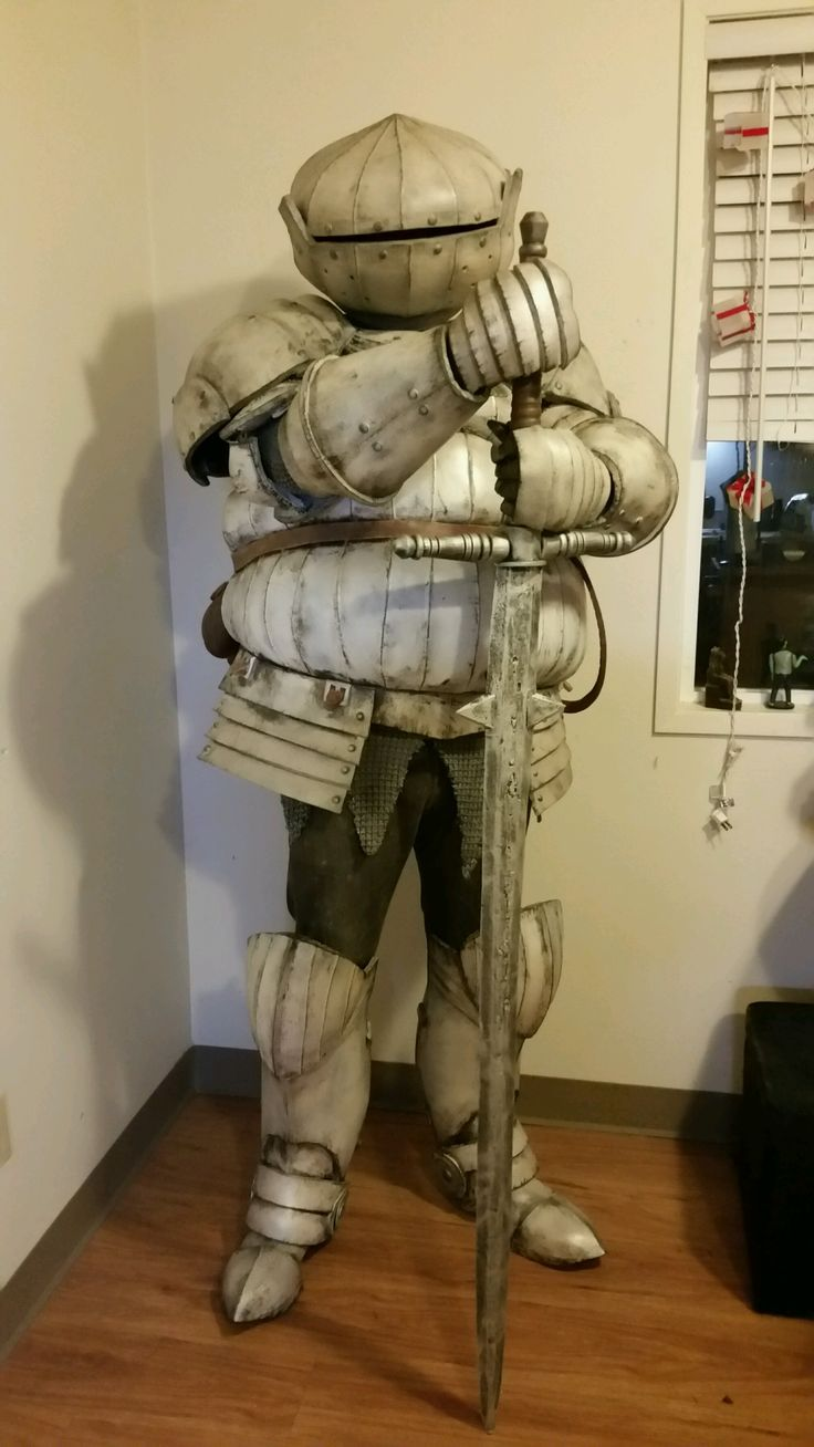 Seigmeyer of Catarina Dark Souls Cosplay Build - Album on Imgur