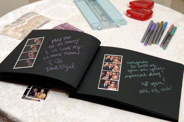 photo booth guest book!