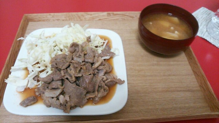 牛肉炒め 味噌汁