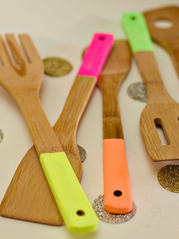 Neon painted kitchen utensil DIY.