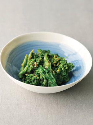 【ELLE a table】菜の花のくるみ和えレシピ|菜の花1/2束(100g) くるみペースト大さじ2 しょうゆ小さじ2