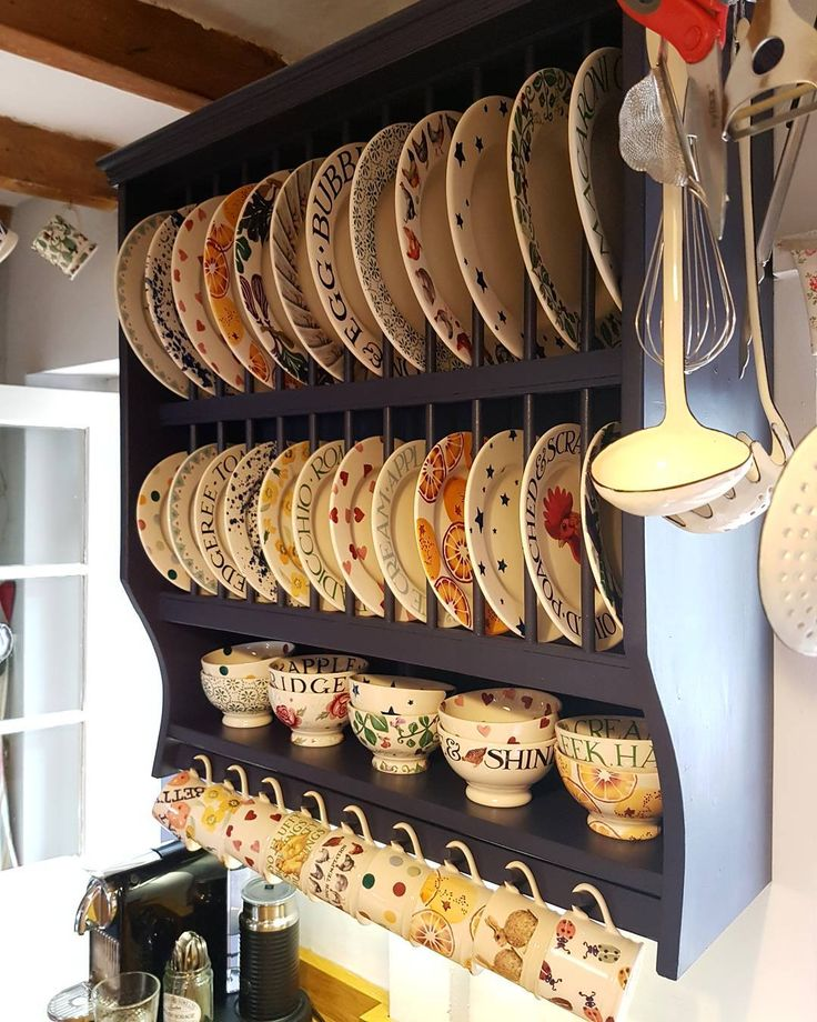 146 vind-ik-leuks, 12 reacties - Lottie Rennie (@pomegranatepeaches) op Instagram: 'I love a good rack....plate rack. #emmabridgewater #countryliving #countryhomes #cottagelife…'