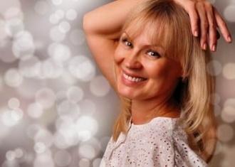 Pelo blanco: Consejos para lucir un cabello canoso radiante