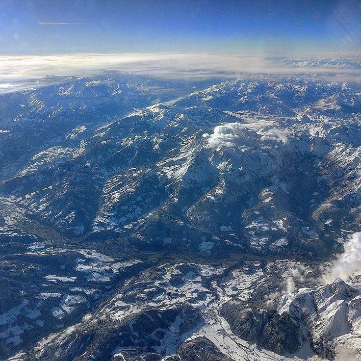 Rückflug nach München über die Alpen bei  perfektem Dezember-Wetter. #alpen #flug #panorama