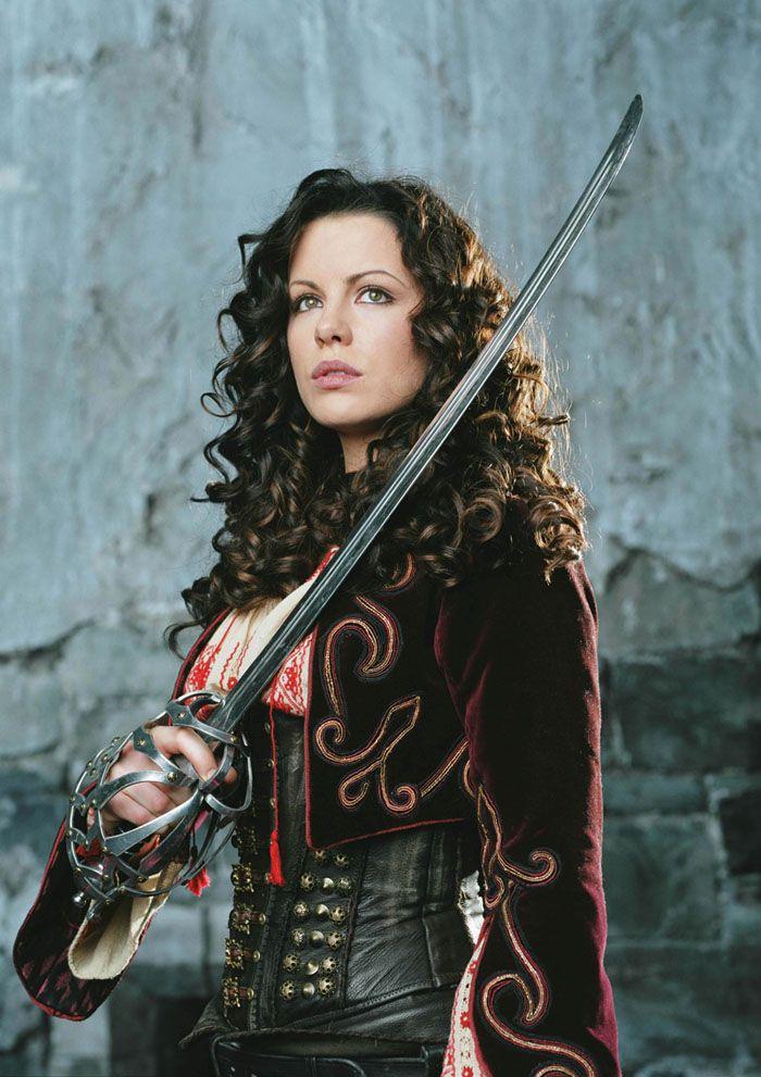 Кейт Бекинсейл (Kate Beckinsale) в фотосессии для фильма «Ван Хельсинг» (Van Helsing) (2004), фото 1