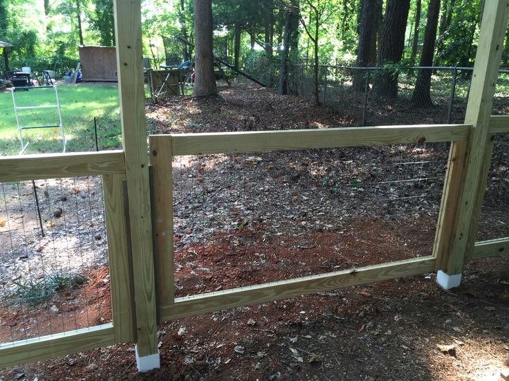 Panel in removable fence