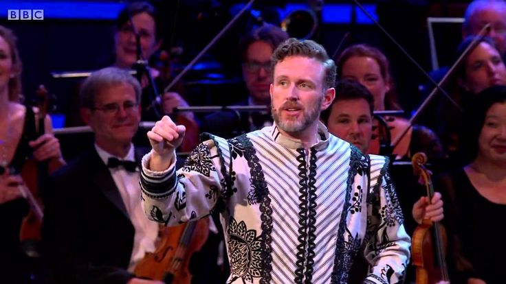 "45. November. ""Kiss me Kate"" (Cole Porter). London Proms cast, 2015. I haven't heard ""Kiss me, Kate"" for ages, I forgot how charming the music was."