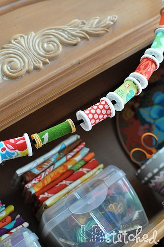 Spool Garland DIY: great idea for all those empty spools, recycle! ~ Would ♥ this for decor ~ Have to hit up my sewing peeps for any empty spools! ~ ♥