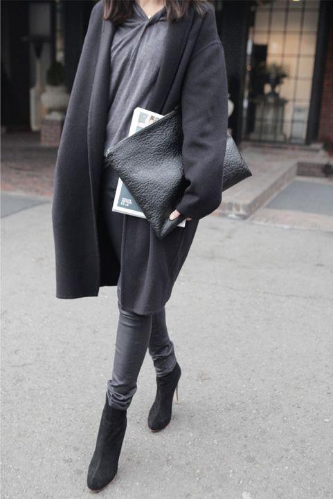 black / gray