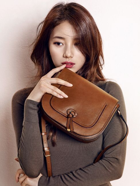 Miss A member Suzy in Bean Pole Accessory 2015 Fall Winter Collection