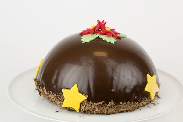 Vorige week zaterdag had ik een super toffe ochtend! Ik mocht namelijk bij Micha en Diana's Pâtisserie deze chocolade boltaart maken. Dit is zo'n taartje waarvan ik me als ik het bij de bakker of een restaurant zie afvraag: hoe maken ze dat toch..!? Nou ik weet nu hoe het moet én ik heb het... LEES MEER...
