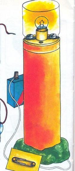 Cómo hacer un faro con una pila