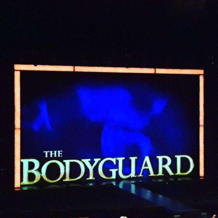 В детстве у меня была пластинка и фильм был просмотрен не раз конечно а теперь я еще и мюзикл видела Это конечно не Уитни Хьюстон но живое исполнение - это просто шикарно! #bodyguardmusical #bodyguardthemusical