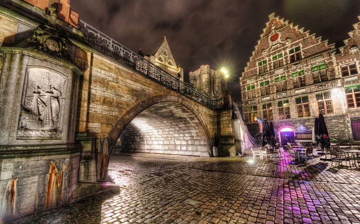 Fairy Tale Bridge - Photo by Roman Betik from the blog http://www.StillGlimmers.com/