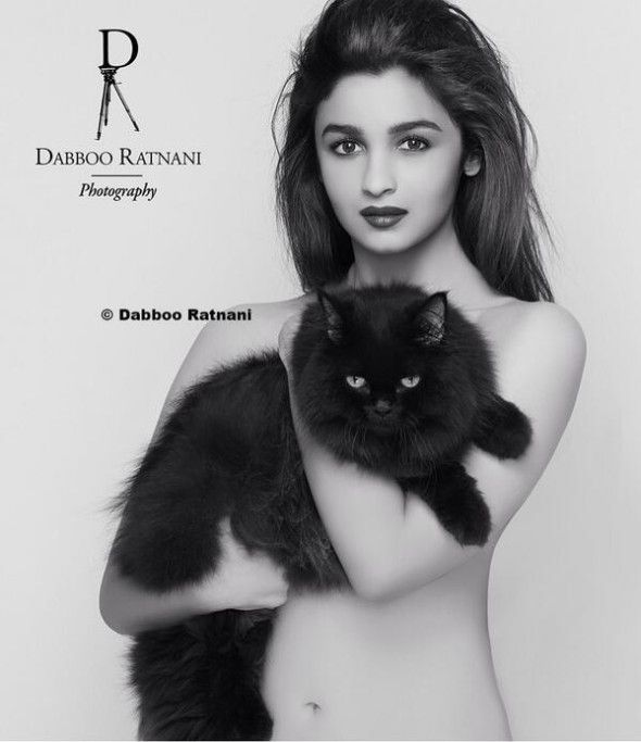 Alia Bhatt with her pet cat Pikka, named after Pokemon's Pickachu. She recently posed with her for Dabboo Ratnani's calender. Pic/Alia Bhatt's Twitter account |