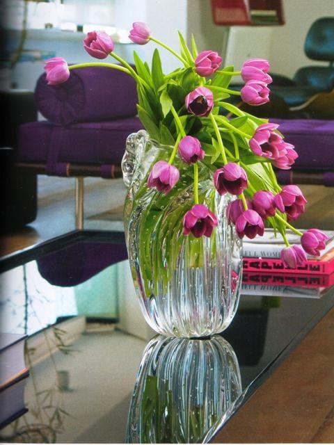 Decoração com tulipas roxas