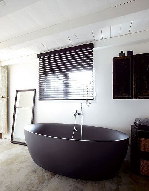 a stunning home on ile de ré, france | Flickr - Photo Sharing! Stunning gray bathtub.