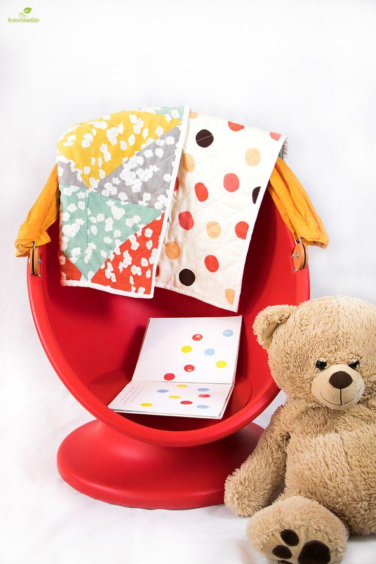 Meine Bio-Babydecke aus weichem Double Gauze von Birch Fabrics.  Patchworktop und Quilt Rückseite sind aus Bio Double Gauze, das Innenvlies ist aus 100% Baumwolle (USA). Weitere Fotos und Infos findet ihr im Blogbeitrag.  #babyquilt #patchworkdecke #krabbeldecke