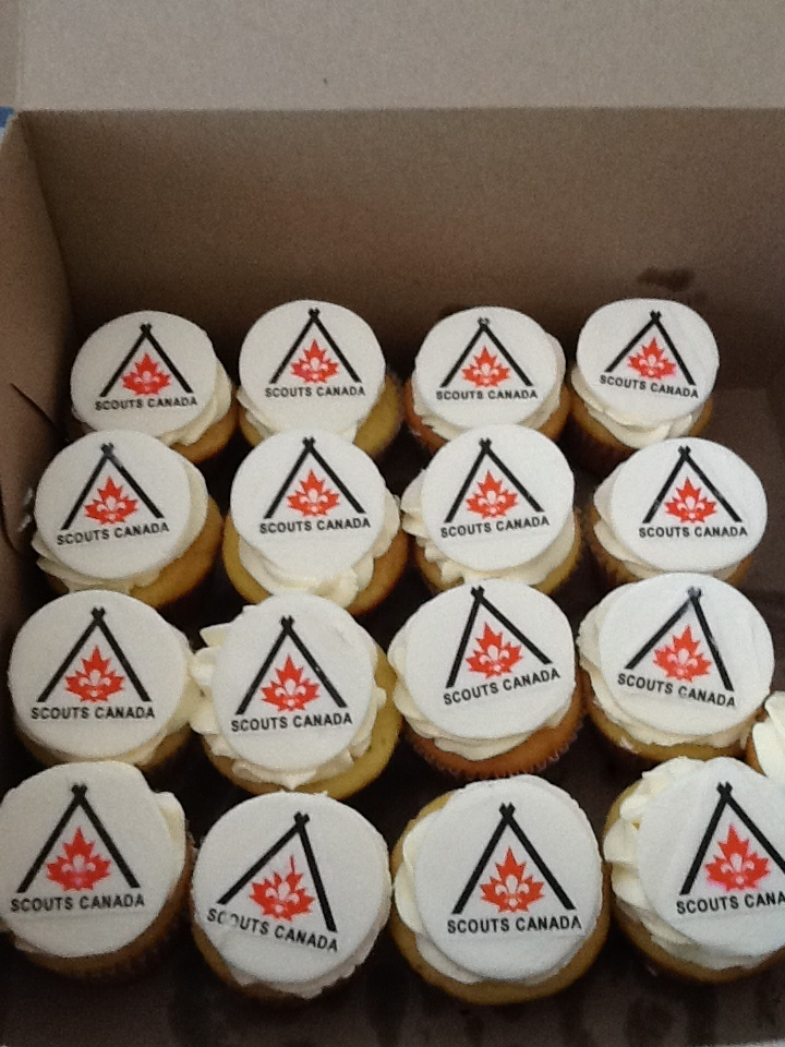 Scouts Canada Cupcakes :) Impressive, ppl are wowed by these!