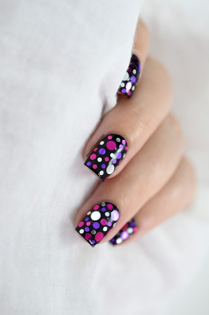 Marine Loves Polish: Nailstorming - Mardi Gras ! - Confetti Nail Art [VIDEO TUTORIAL] - Carnival nail art - What's Up Nails Berries Confetti - Glitter - Dotticure