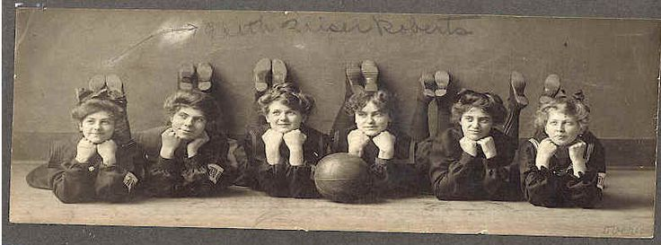 Iowa wesleyan college first womens basketball team
