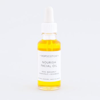 Nourish / Refresh Facial Oil: The perfect replacement for standard water based moisturiser. With no added preservatives and all natural ingredients, you can feel good using a luxurious hopscotch facial oil everyday.  Nourish Facial Oil -Natural ingredients -Hydrating oil great for all skin types  -Works particularly well on dry or mature skin -Nourishing oil contains omega 6 rich argan oil and firming borage oil, both of which are great for the regeneration of skin tissue, helping to…