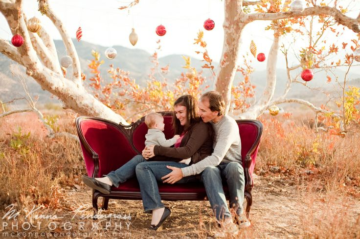 outdoor family christmas photo pictures pinterest portrait self portraits and family. Black Bedroom Furniture Sets. Home Design Ideas