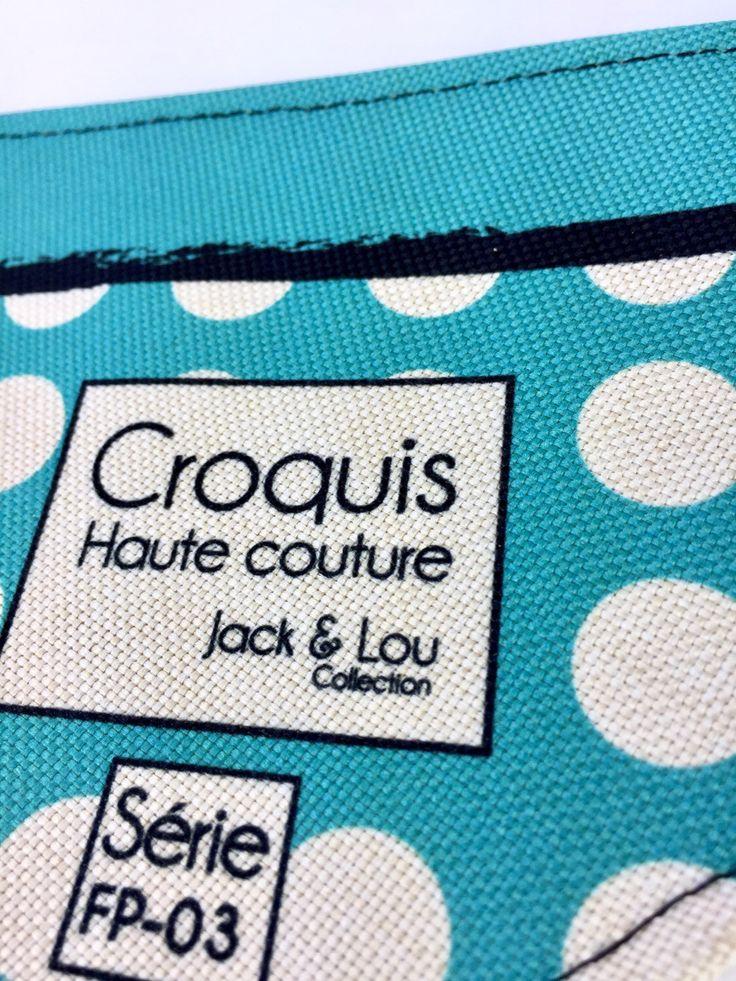 Le chouchou de ma boutique https://www.etsy.com/ca-fr/listing/513640669/foulard-pour-chiengrandeur-petit-boutons