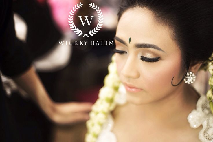 My make up wedding #natural #makeup #wedding #pengantin #eyeshadow #flawless #traditional #wickkyhalim
