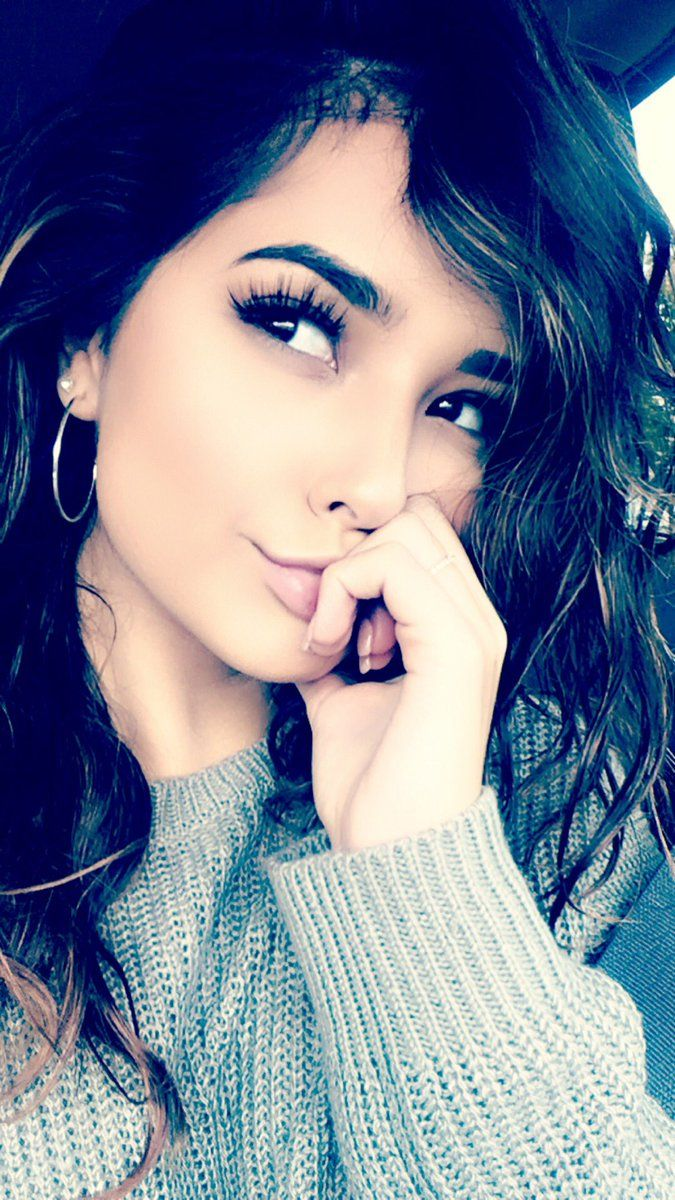 Becky G| Hey I'm Alice...I'm 17 almost 18 years old. I'm a little quite at first but love adventure and trying new things. Just looking for a beau to don't all with. Intro?