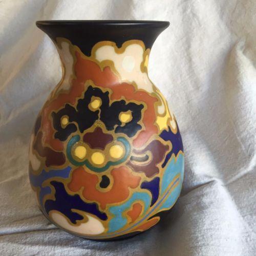 565 perfect-condition-Regina-Rosario-Gouda-vase