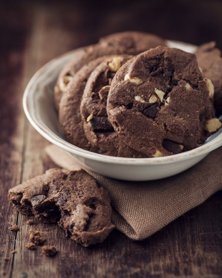 Double up on the chocolate with these decadent cookies, sure to satisfy any chocolate craving. Double Chocolate Chip Cookies Ingredients: 1...