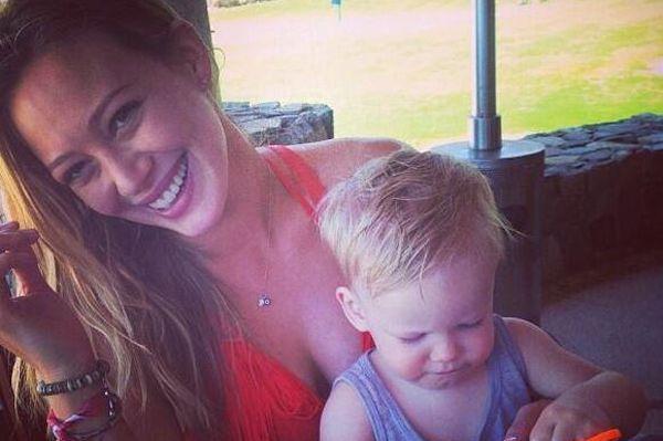 Mommy tweets: Jennie Garth's mom style, Denise Richards, Alyssa Milano, Hilary Duff