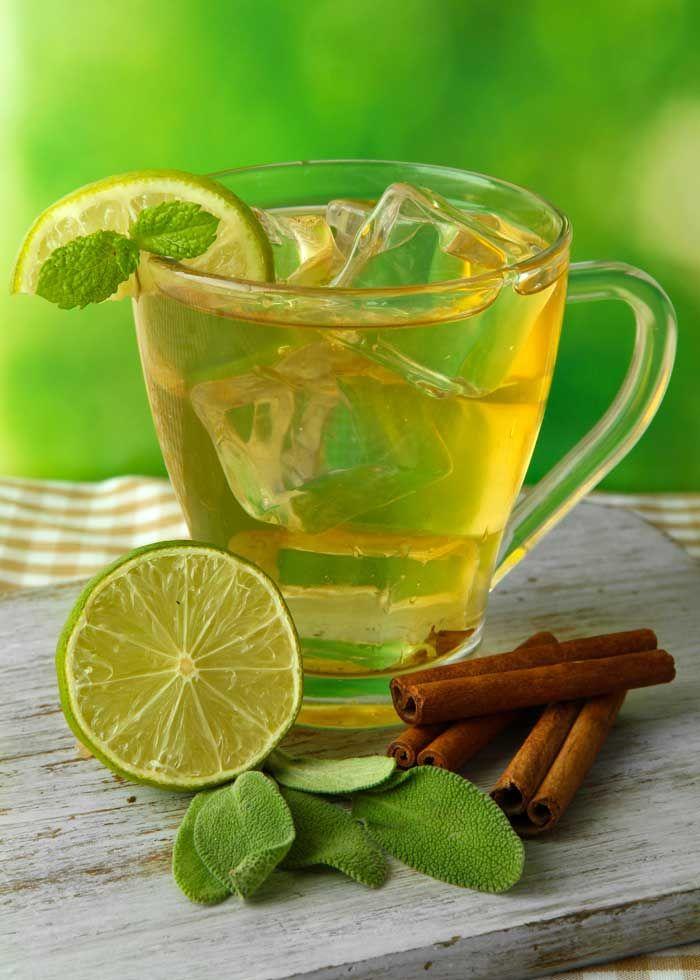 Tè verde freddo speziato