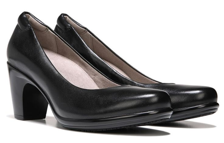 """Naturalizer@Work Venecia.  2.5"""" heel.  Recommended by Barking Dog Shoes."""