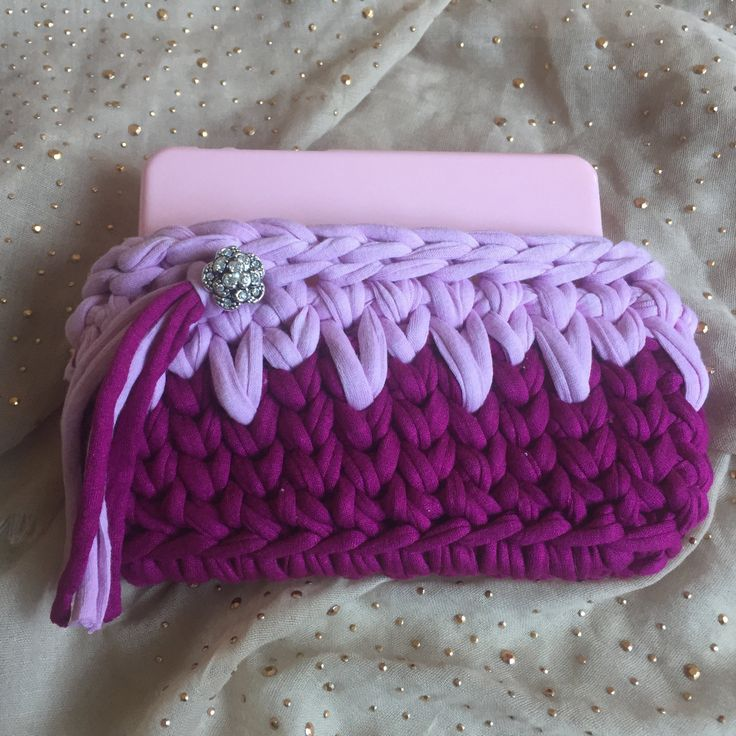 Trapillo.crochet. pouch for iphone 6. dark purple-lilac or pink-white-lilac…