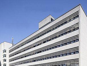 St. Antonius Krankenhaus, Köln - einegebaute HEWI Produkte: System 162 , Waschbecken und WARM TOUCH