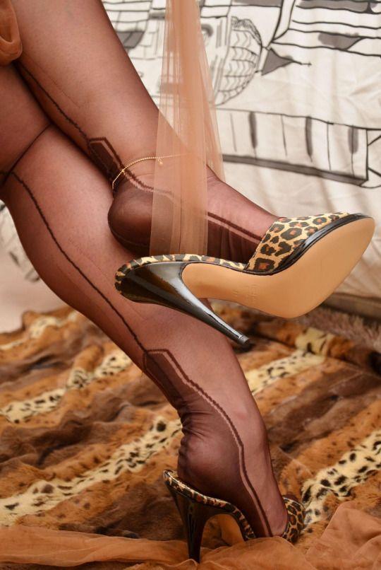 Shoe dangle images, stock photos vectors