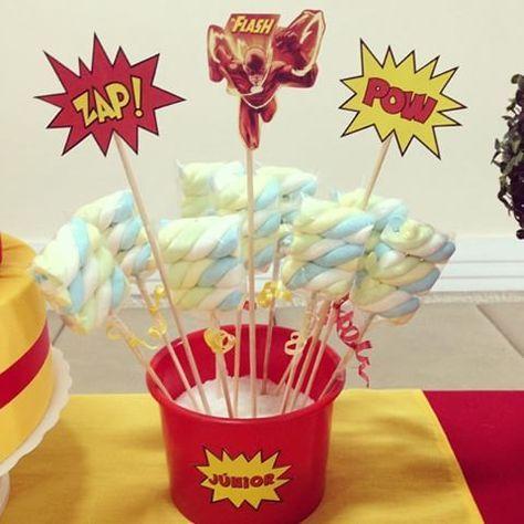Espetos de marshmallow tema super herói Flash - kit festa infantil Ouro #aniversario #menino #superheroi #flash #amarelo #vermelho #kitfesta #kitfestainfantil #flordeseda #superhero #theflash #boy #birthday #yellow #red #marshmallow #supertoppers #toppers