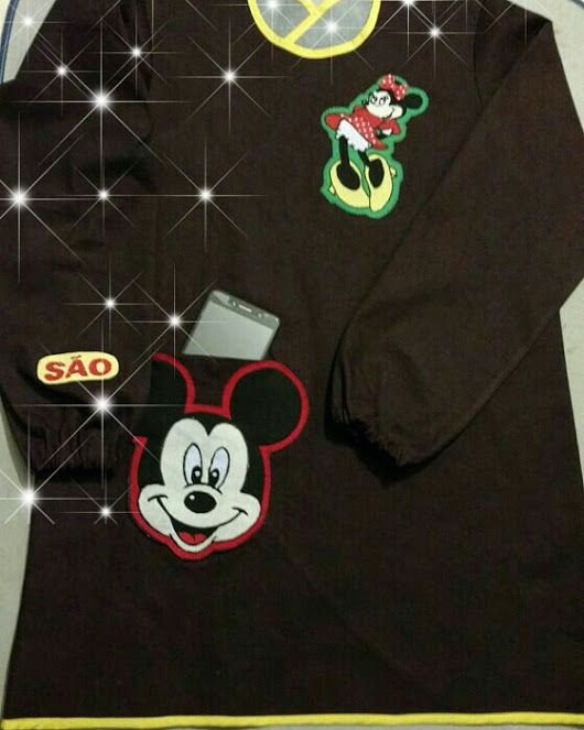 Bata com aplicações da Minnie e do Mickey! 💖