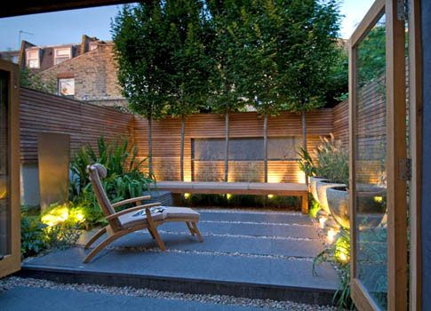 Fulham urban garden by Philip Nixon. I've always wanted a house with a courtyard.