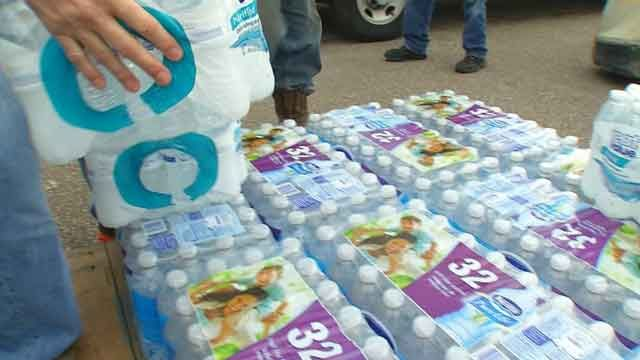 Donation Drop-Off Locations Set Up In OK For Tornado Victims List of Churches and other organizations  and the donations they are in need of in Oklahoma.