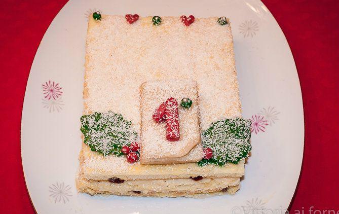 Torta di Capodanno con crema diplomatica  New Year's cake filled with diplomacy cream