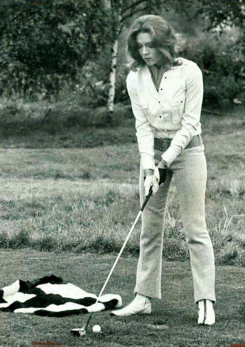 Diana Rigg - Golf unknown author