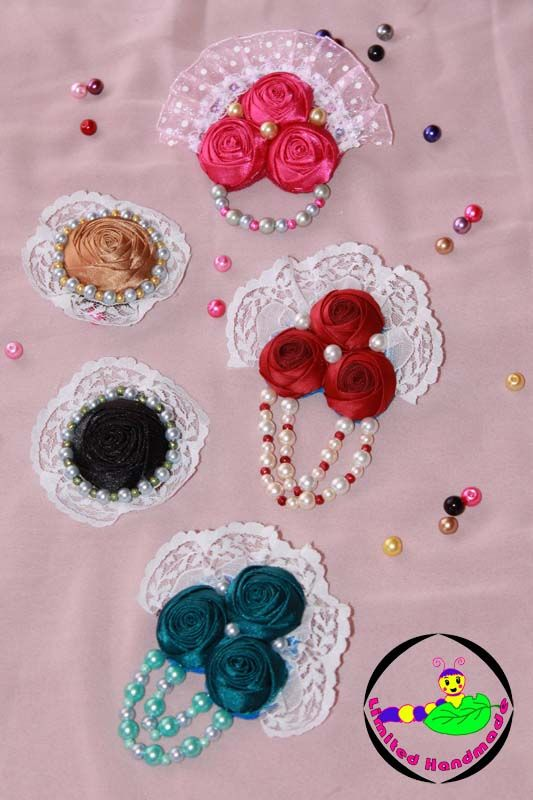 Bross for your hijab. can find at Fb page : Limited HandMade or @febiregina :)