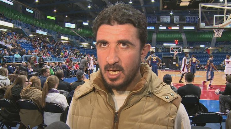 Hundreds of Syrian refugees got a taste of basketball in Saint John on Thursday during the annual multicultural night at the Mill Rats National Basketball League game.